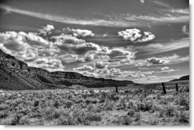 Photography How-To Aperature and Depth of Field Image Desert Mountains Black and White