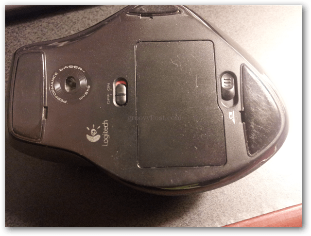How to Fix a Sticky Scroll Wheel on a Logitech Mouse - groovyPost