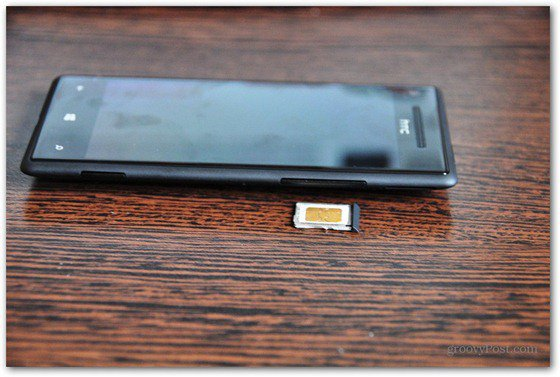 HTC Windows Phone 8X Insert SIM fit SIM to tray
