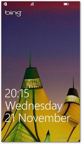 Windows Phone 8 customize lock screen Bing