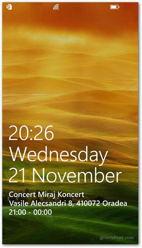 Windows Phone 8 customize lock screen detailed status app