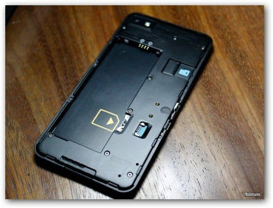 blackberry L battery sim slot
