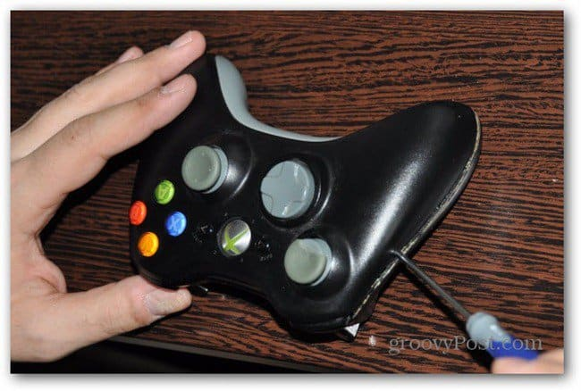 Change Xbox 360 controller analog thumbsticks take controller case apart