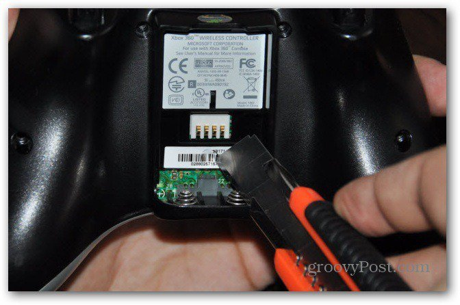 Change Xbox 360 controller analog thumbsticks unscrew everything cutter last screw
