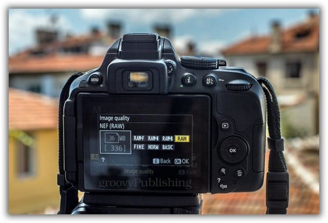 image quality DSLR HD 720p 1080p 4K images JPEG RAW NEF CR2 time lapse tripod setup DSLR canon nikon timelapse